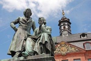 Brüder Grimm Denkmal in Hanau