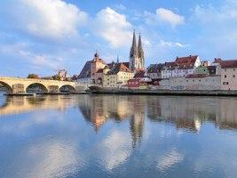 Regensburg Kathedrale und Steiner Brücke