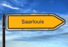 Straßenschild Saarlouis