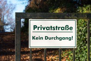 Wie Ist Die Rechtslage Zur Nutzung Dem Wegerecht Einer Privatstraße